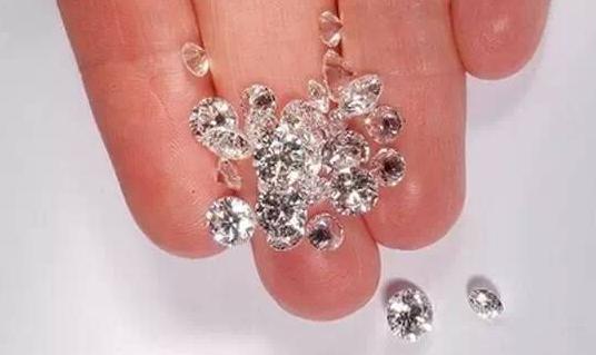 5招教你鉴别钻石真伪
